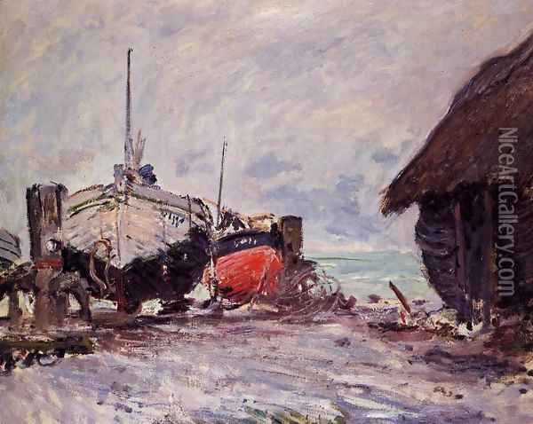 Fishing Boats At Etretat Oil Painting - Claude Oscar Monet