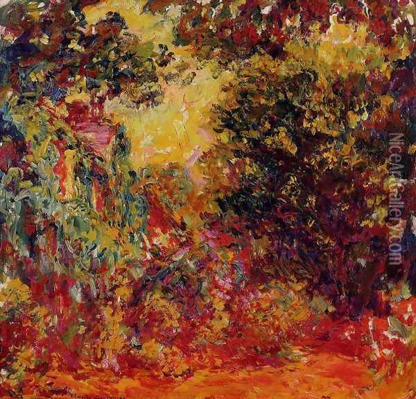 The Artists House Seen From The Rose Garden Oil Painting - Claude Oscar Monet