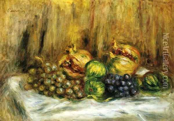 Still Life With Grapes Oil Painting - Pierre Auguste Renoir